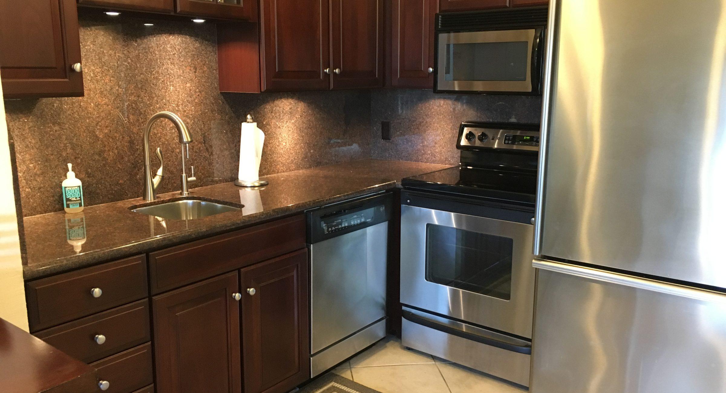 Unit 14 - Updated Kitchen